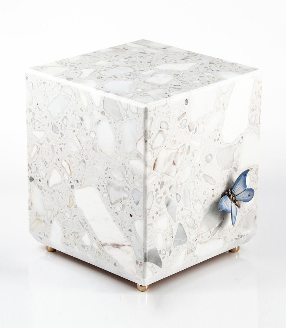aSilvy urna 541
