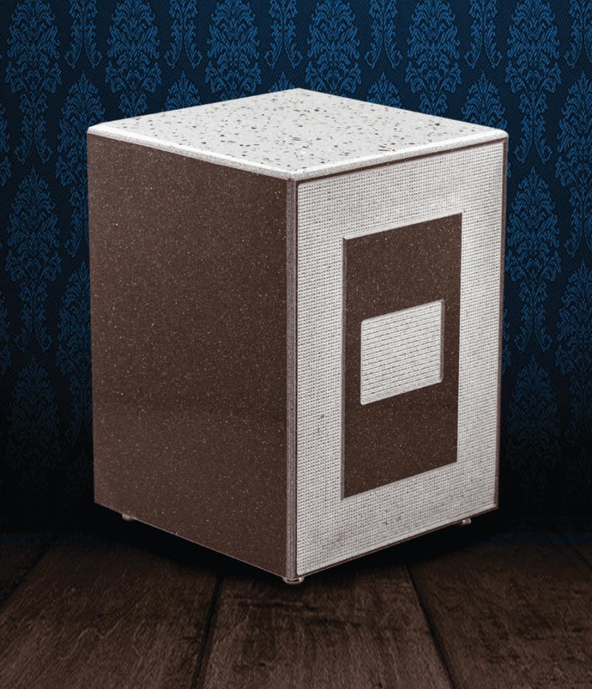 Urna cineraria in Marmo color cioccolato con coperchio starlight bianco