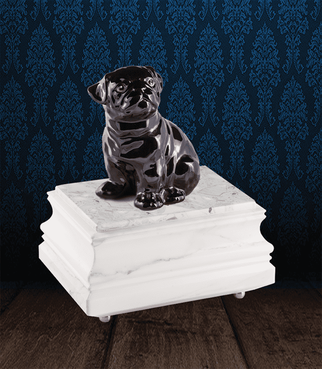 Urna per animali in pregiato Marmo di Carrara e Carlino in fine ceramica dipinto a mano