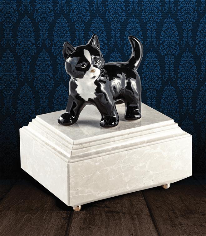Urna per animali in Botticino Naturale con gatto in fine ceramica dipinto a mano