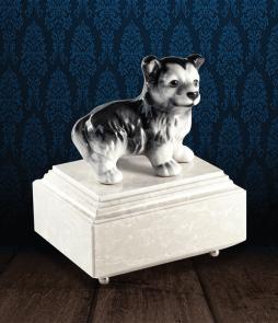 Urna per animali in Botticino Naturale con Husky in fine ceramica dipinto a mano